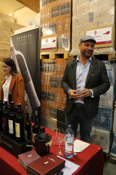Präsentierte Phantome und andere Köstlichkeiten: Markus Kirnbauer vom Weingut K+K Kirnbauer in Deutschkreutz.