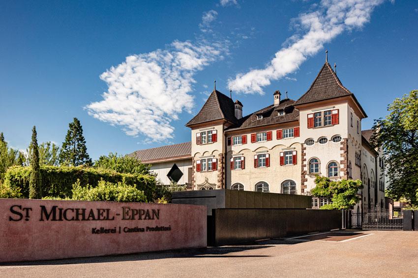 Tradition und Moderne vereint: Kellerei St. Michael in der Südtiroler Gemeinde Eppan.