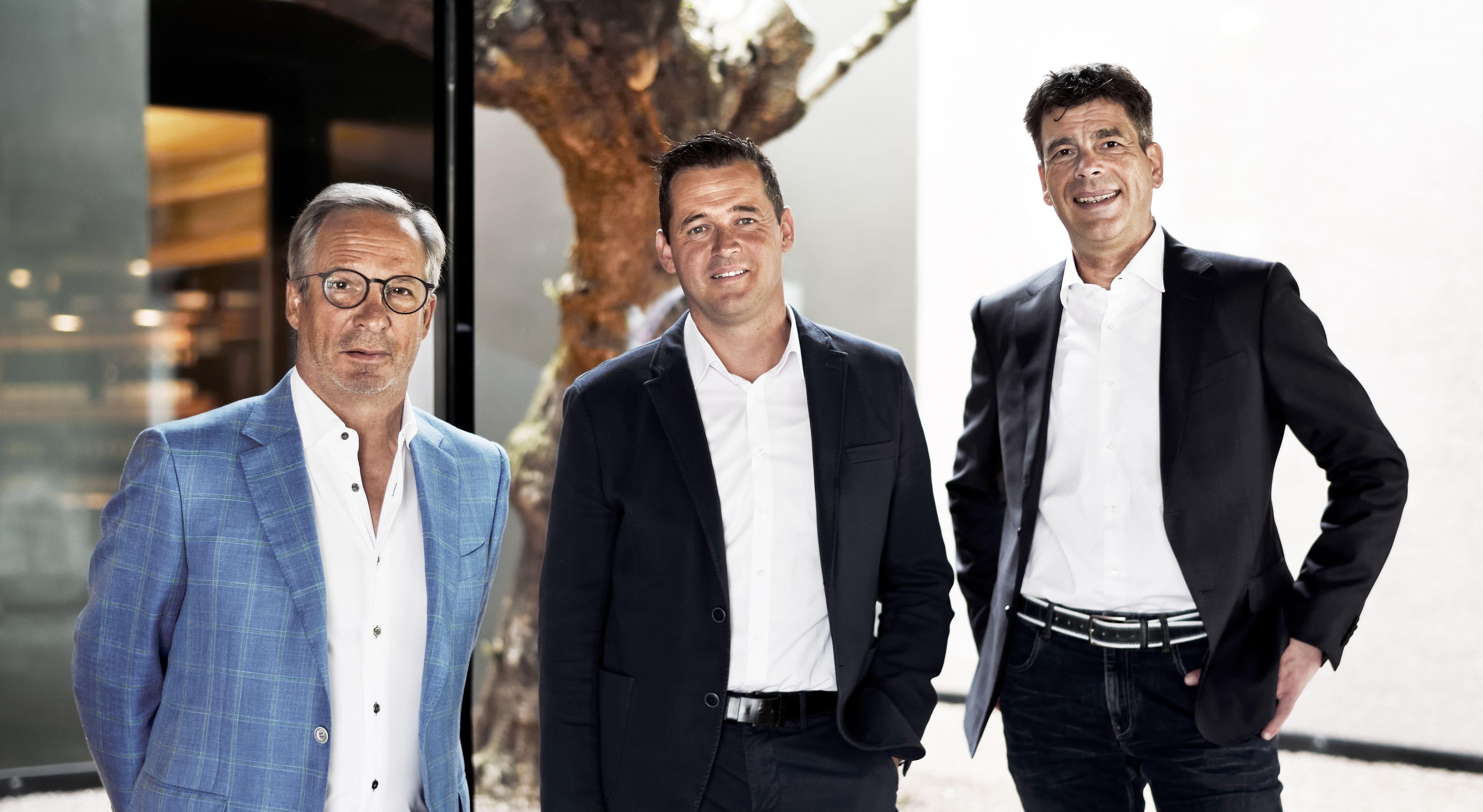 IIm Bild von links: Kellermeister Hans Terzer, Präsident Klaus Pardatscher und GF Günther Neumair. ©Kellerei St. Michael-Eppan Landw. Gesell. Gen.