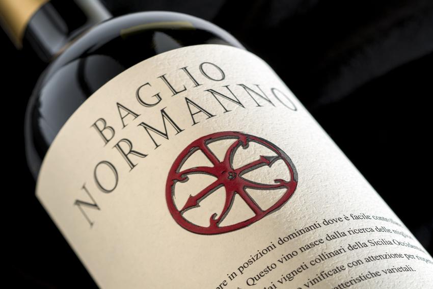 Eine Flasche Baglio Normanno