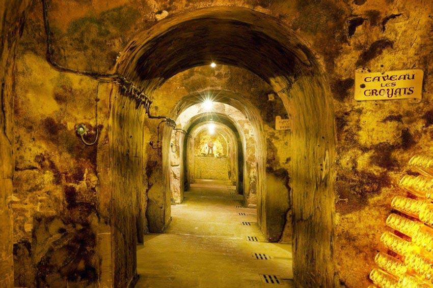 Kellergewölbe von Mailly aus Kreidefels.